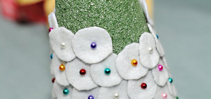 Декоративная елка из фетра