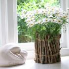 Декоративная ваза из веток в стиле Эко